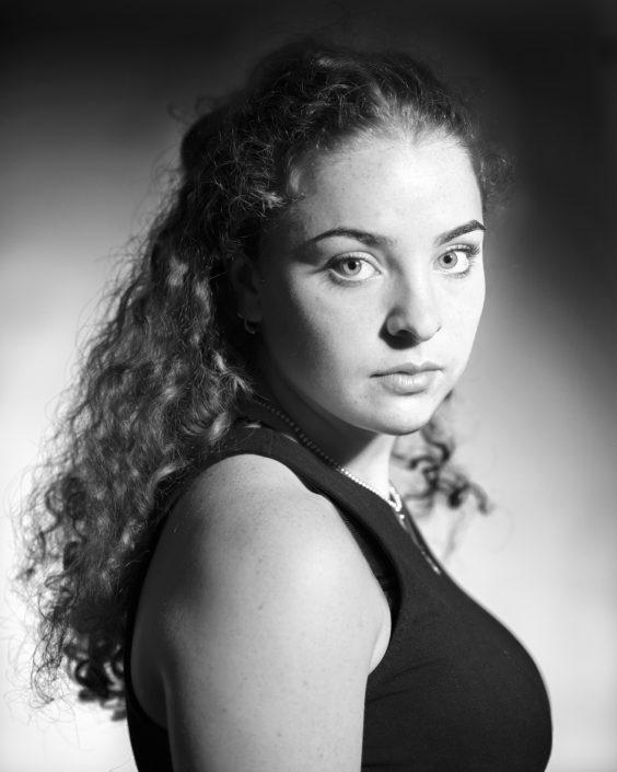 portret meisje tiener zwart-wit